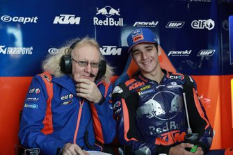 Iker Lecuona, Red Bull KTM Tech 3, mit Guy Coulon