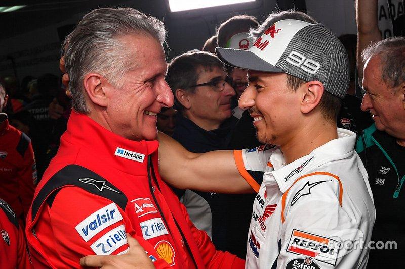Jorge Lorenzo con Paolo Ciabatti, Director Deportivo de Ducati Corse