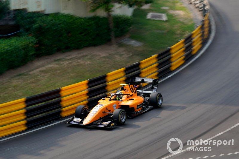 #32 Enaam Ahmed, Campos Racing