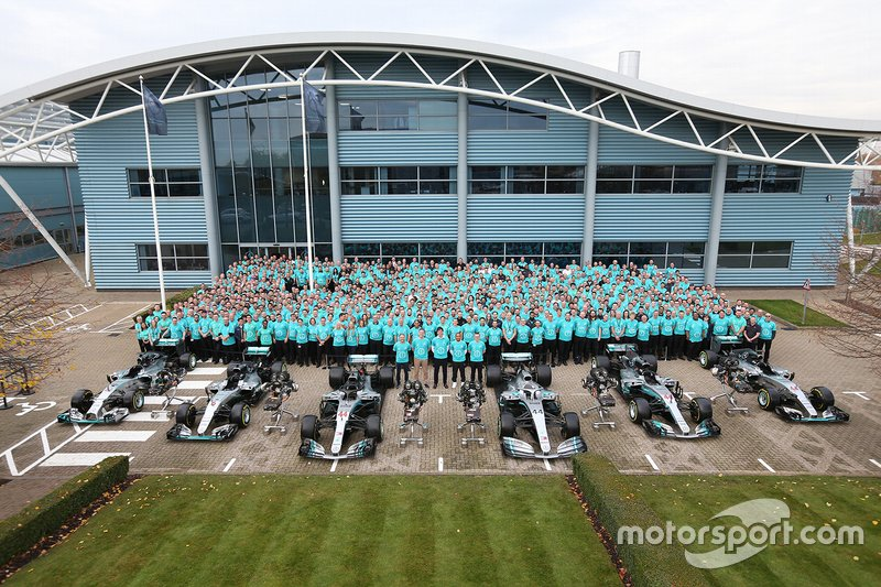 Il team Mercedes AMG F1