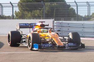 Lando Norris, McLaren, équipé de pneus Pirelli 18 pouces