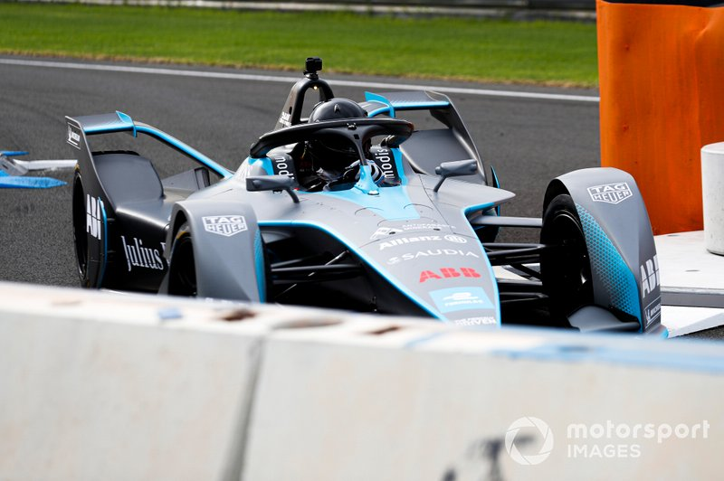 Media drive FIA ABB Formula E Generation 2 car on track