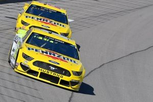 Ryan Blaney, Team Penske, Ford Mustang Menards/Pennzoil, Joey Logano, Team Penske, Ford Mustang Pennzoil