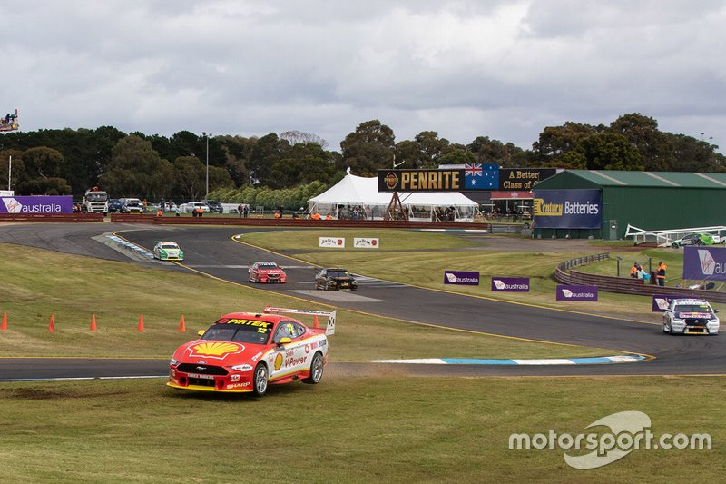 Fabian Coulthard, Tony D'Alberto, DJR Team Penske run wide