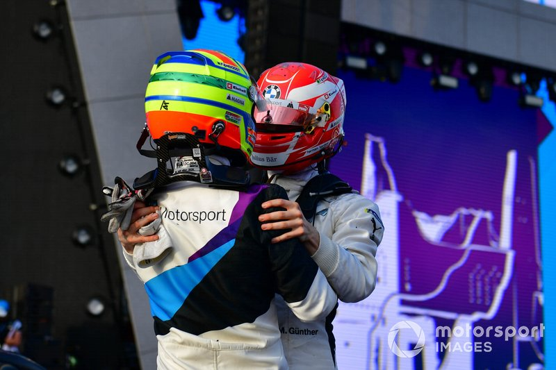 Race winner Alexander Sims, BMW I Andretti Motorsports celebrates with teammate Maximilian Gunther, BMW I Andretti Motorsports, 2nd position, on the podium