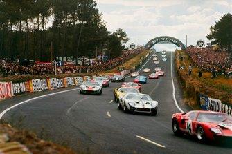Renn-Action bei den 24h Le Mans 1966