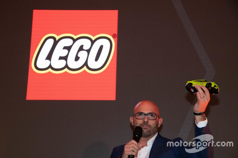 Lego-Modell: Lamborghini Urus ST-X