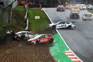 Adam Morgan, Cicely Racing Mercades A-Class, Jack Goff, Team Hard Volkswagen Passat CC and Tom Oliphant, WSR BMW