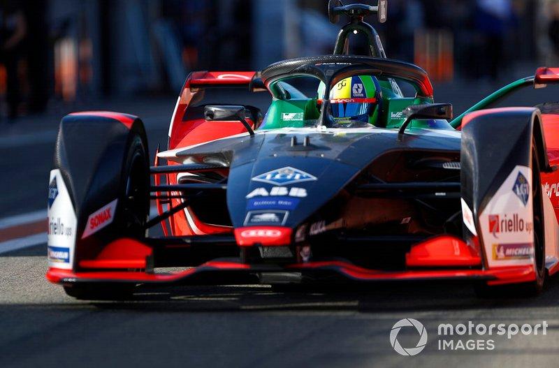 Lucas Di Grassi, Audi Sport ABT Schaeffler, Audi e-tron FE06 in the pit lane