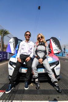 Zangeres Ellie Goulding met Jamie Reigle, CEO Formule E