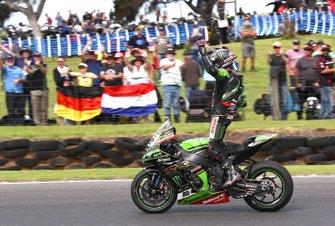 Race winner Alex Lowes, Kawasaki Racing Team