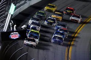 Denny Hamlin, Joe Gibbs Racing, Toyota Camry FedEx Express, Ryan Newman, Roush Fenway Racing, Ford Mustang Koch Industries, Ryan Blaney, Team Penske, Ford Mustang Menards / Peak, white flag