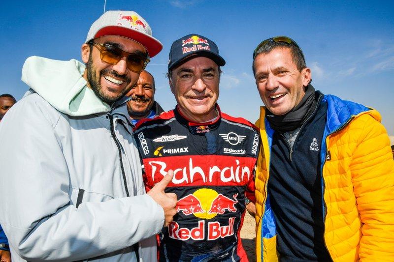 El Príncipe Abdul Aziz bin Turki Al-Faisal, presidente de la Autoridad General de Deportes, Equipo #305 JCW X-Raid: Carlos Sainz, Yann Le Moenner, CEO de ASO