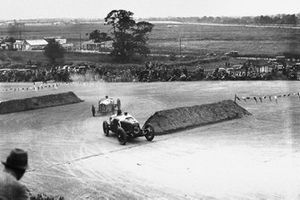 George Eyston, Aston-Martin GP leads Robert Senechal, Louis Wagner, Delage 15S8