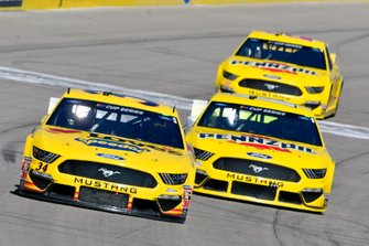 Michael McDowell, Front Row Motorsports, Ford Mustang Love's Travel Stops, Ryan Blaney, Team Penske, Ford Mustang Menards/Pennzoil and Joey Logano, Team Penske, Ford Mustang Pennzoil