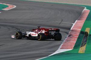 Robert Kubica, Alfa Romeo Racing C39 spins