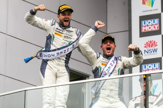 Podium: #7 Bentley Team M-Sport Bentley Continental GT3: Jules Gounon, Maxime Soulet