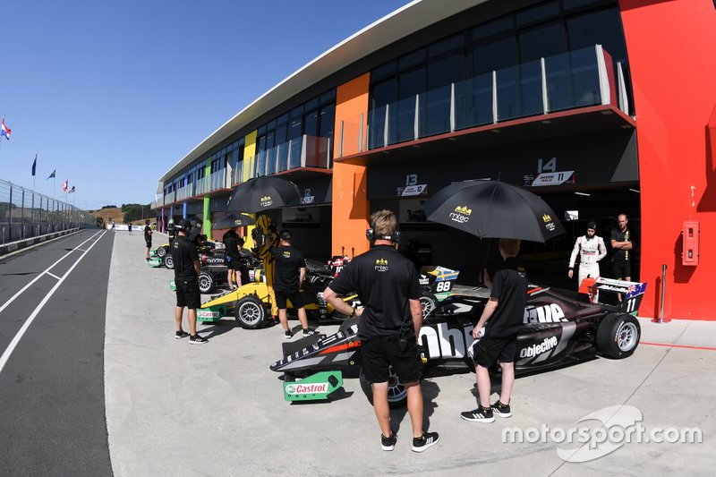 Preparativos em Hampton Downs