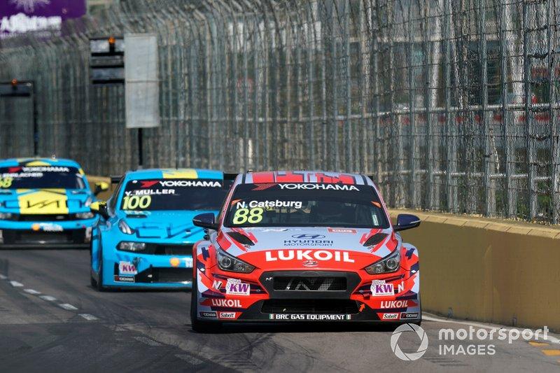 Nicky Catsburg, BRC Hyundai N LUKOIL Racing Team Hyundai i30 N TCR, Yvan Muller, Cyan Racing Lynk & Co 03 TCR