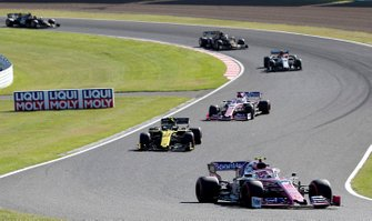 Lance Stroll, Racing Point RP19 , leads Nico Hulkenberg, Renault F1 Team R.S. 19, and Sergio Perez, Racing Point RP19