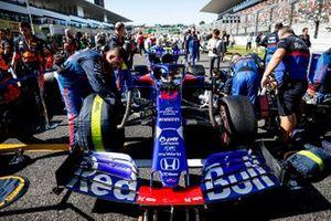 Pierre Gasly, Toro Rosso STR14, on the grid