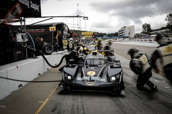 #5 Mustang Sampling Racing Cadillac DPi, DPi: Joao Barbosa, Filipe Albuquerque, Mike Conway, pit stop