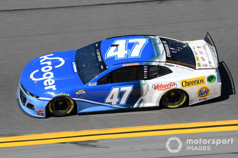 1. Ricky Stenhouse Jr., JTG Daugherty Racing, Chevrolet Camaro