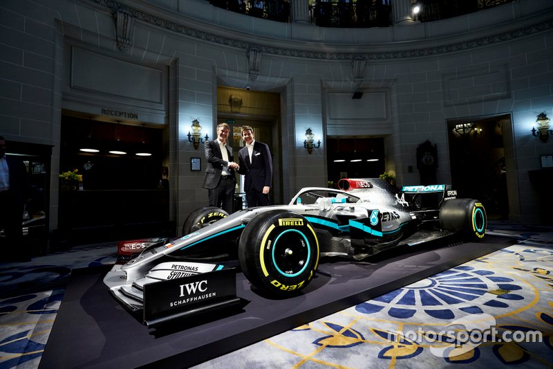 Toto Wolff, Mercedes AMG F1 Director de Motorsport, Sir Jim Ratcliffe, presidente de Ineos