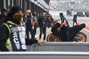 Marc Márquez, el equipo Repsol Honda se estrelló con su moto
