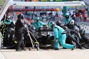 Valtteri Bottas, Mercedes W12 , in the pits