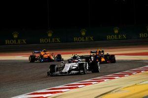 Pierre Gasly, AlphaTauri AT01, Alex Albon, Red Bull Racing RB16, and Lando Norris, McLaren MCL35