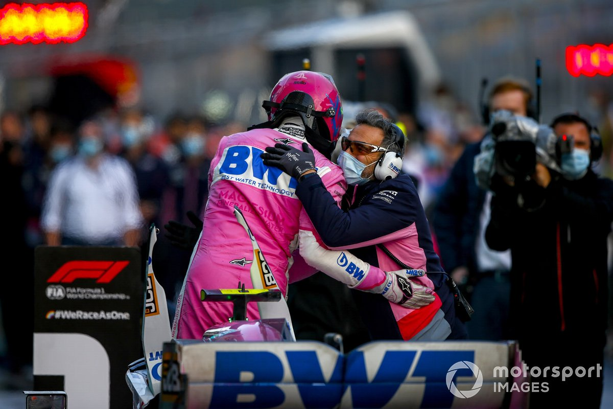 Ganador de la pole Lance Stroll, Racing Point celebra