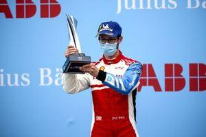 Podio: tercer lugar Alexander Sims, Mahindra Racing