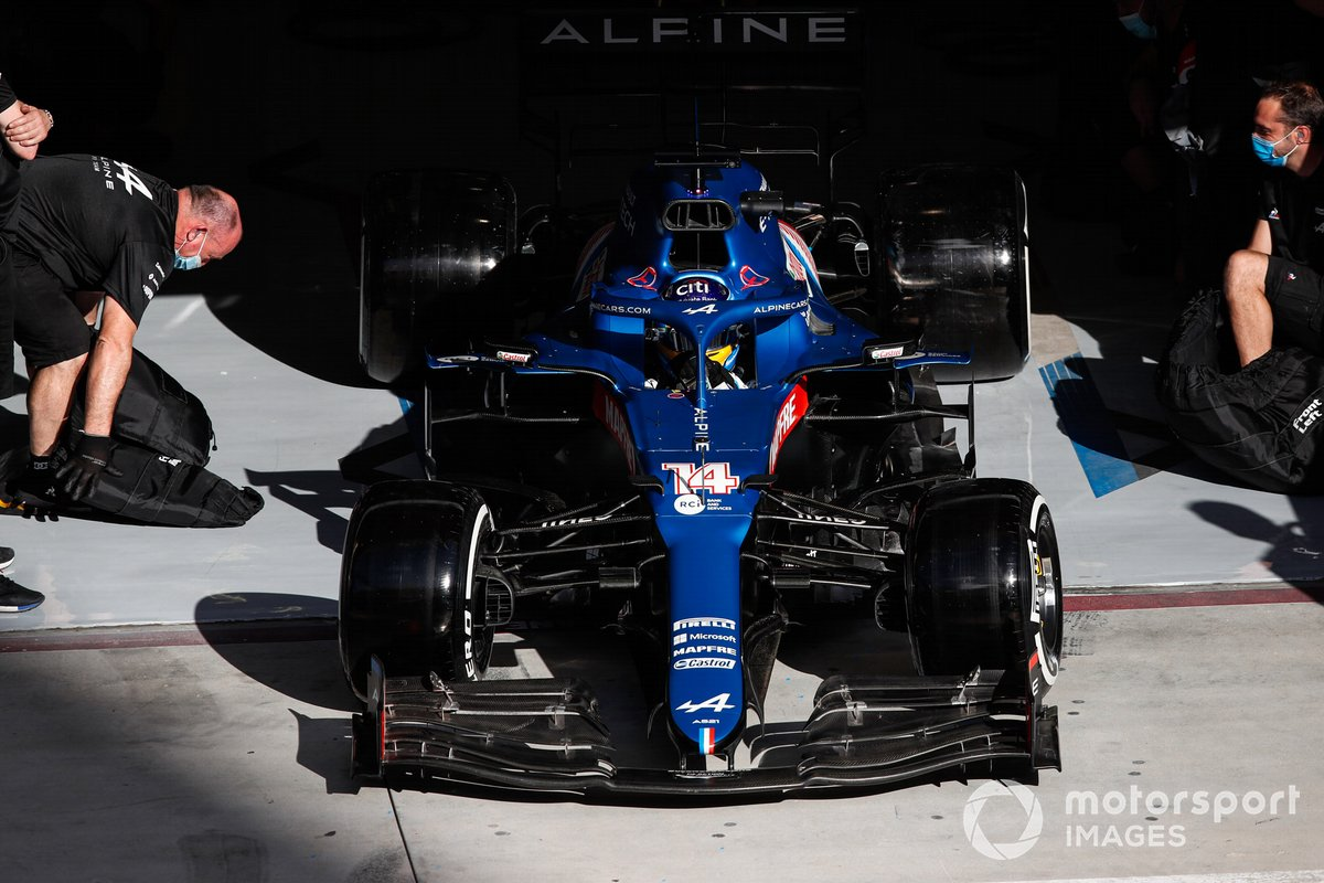 Fernando Alonso, Alpine A521, sort de son garage
