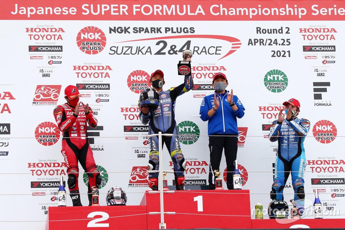mfj superbike 2021 rd2 podium