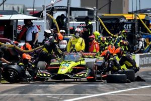 Pit Stop, Ed Jones, Dale Coyne Racing with Vasser Sullivan Honda