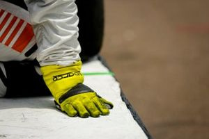 Pato O'Ward, Arrow McLaren SP Chevrolet crew member's gloves
