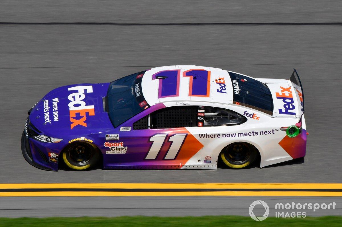 4. Denny Hamlin (Gibbs-Toyota): 3024 Punkte
