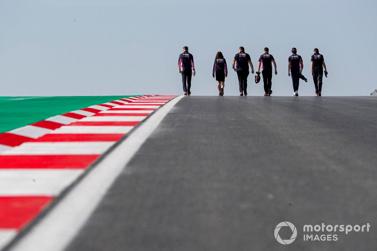 Лэнс Стролл, Racing Point, прогулка по трассе с сотрудниками команды