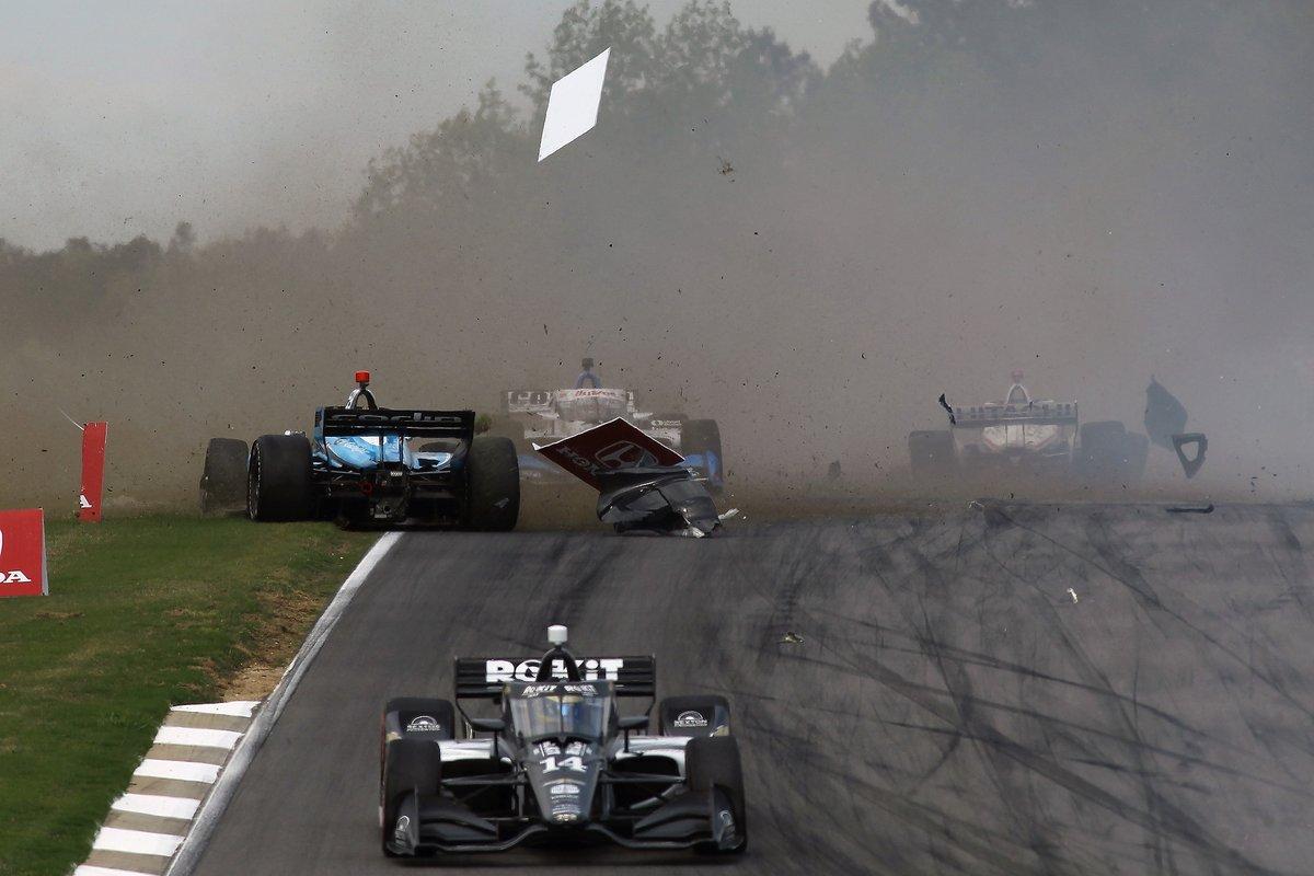Choque en la salida de Max Chilton, Carlin Racing Chevrolet