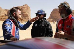 Kyle Leduc, Chip Ganassi Racing, en discussion avec des membres de son équipe