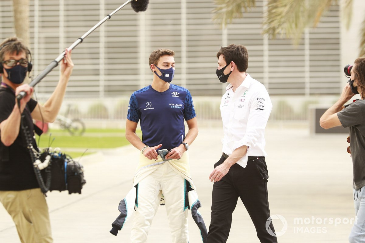 George Russell, Williams y Toto Wolff, Director Ejecutivo, Mercedes AMG