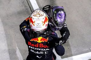 Max Verstappen, Red Bull Racing and Race Winner Lewis Hamilton, Mercedes celebrate in Parc Ferme