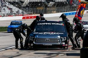 Chandler Smith, Kyle Busch Motorsports, Toyota Tundra Safelite Auto Glass Pit Stop