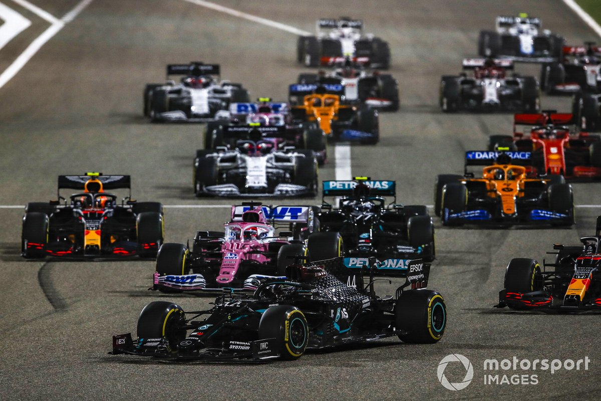 Lewis Hamilton, Mercedes F1 W11 davanti a tutti