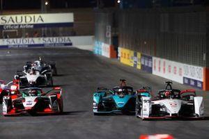 Pascal Wehrlein, Tag Heuer Porsche, Porsche 99X Electric, leads Mitch Evans, Panasonic Jaguar Racing, Jaguar I-Type 5, and Rene Rast, Audi Sport ABT Schaeffler, Audi e-tron FE07