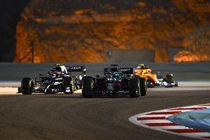 Lance Stroll, Aston Martin AMR21, Pierre Gasly, AlphaTauri AT02, Lando Norris, McLaren MCL35M