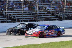 Joey Logano, Team Penske, Ford Fusion AAA Insurance, Ross Chastain, Premium Motorsports, Chevrolet Camaro Low T Center
