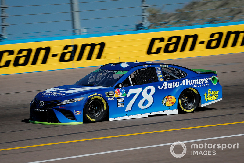 13. Martin Truex Jr., Furniture Row Racing, Toyota Camry Auto-Owners Insurance
