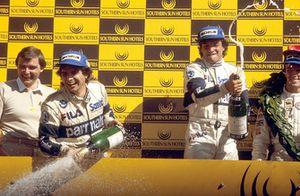 Podium: race winner Riccardo Patrese, Brabham BMW, third place Nelson Piquet, Brabham BMW